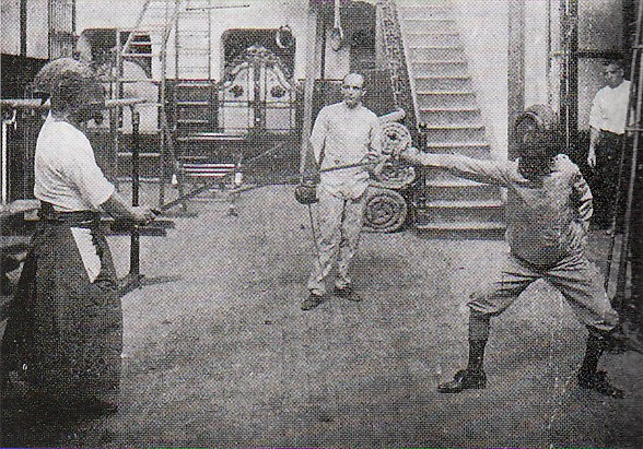 Kendo_vs_Fencing_2