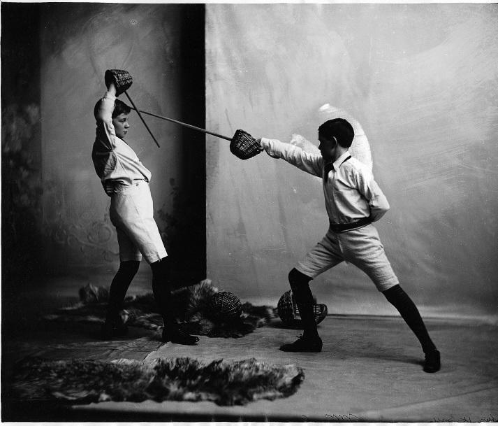 Chasseurs et gentlemen histoire des arts martiaux au for Origine des arts martiaux